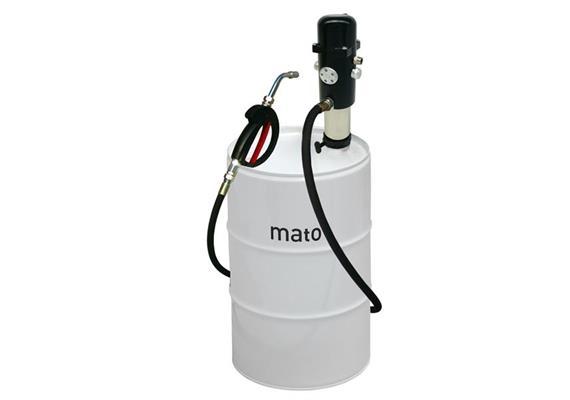 pneuMATO 3 stationär, Ölfüllpistole und Auslauf Motorenöl