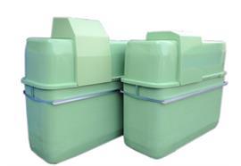 Vasca di contenimento con copercio in PFV e cisterna 1000L basso